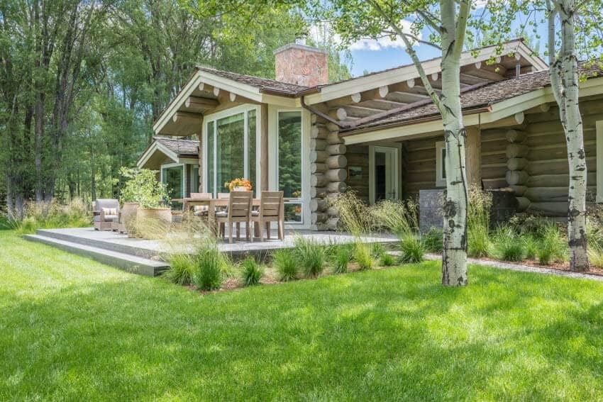 Rustic log house gets a dreamy transformation in Jackson Hole