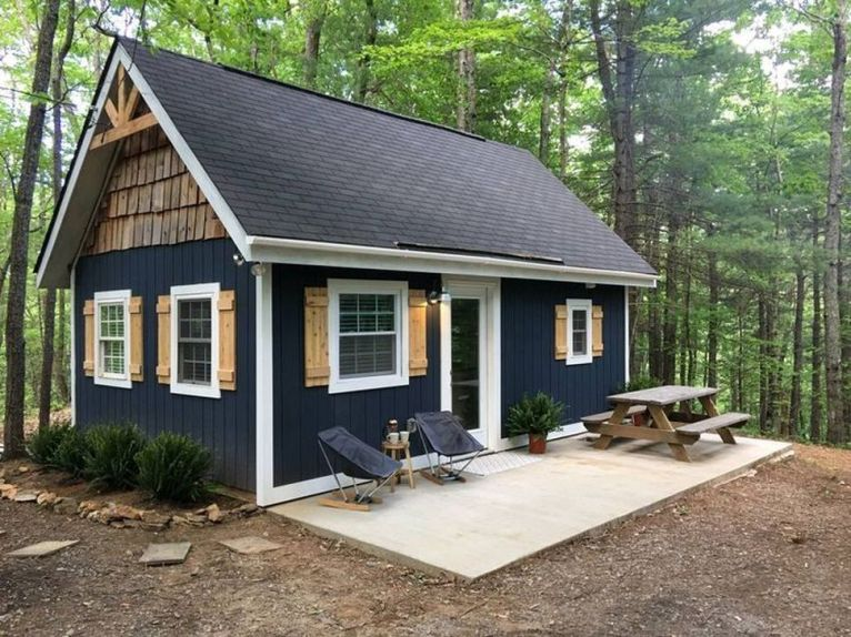 Best-Small-Log-Cabin-Ideas-With-Awesome-Decoration-05-