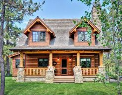 Best-Small-Log-Cabin-Ideas-With-Awesome-Decoration-15-