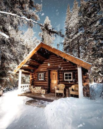 Best-Small-Log-Cabin-Ideas-With-Awesome-Decoration-33-